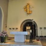 Der Altarraum heute.